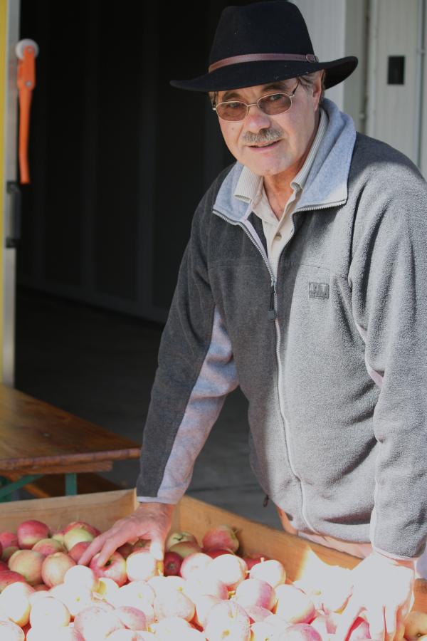 Heinz Leutwyler, Obstbauer, in seiner letzten Saison